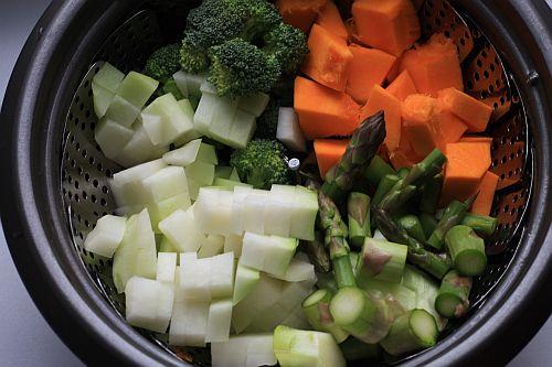 Zeleninové pyré s listovým salátem (9+)