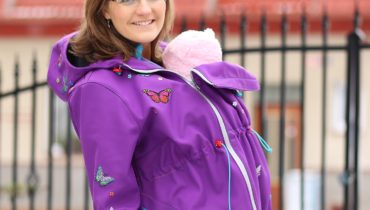 Nosící bunda s motýlky