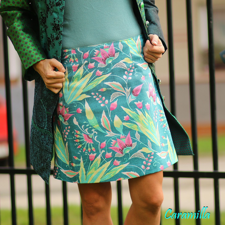 Celoroční sukně z designového saténu