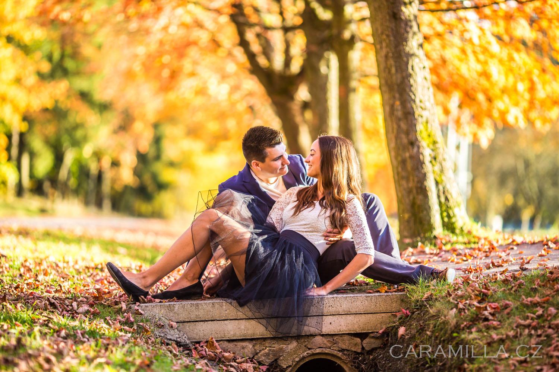 Rande v podzimním listí