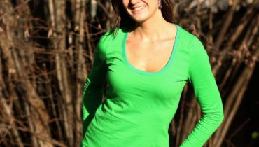 Střih na dámské triko – ke krku / s větším výstřihem / s légou na kojení